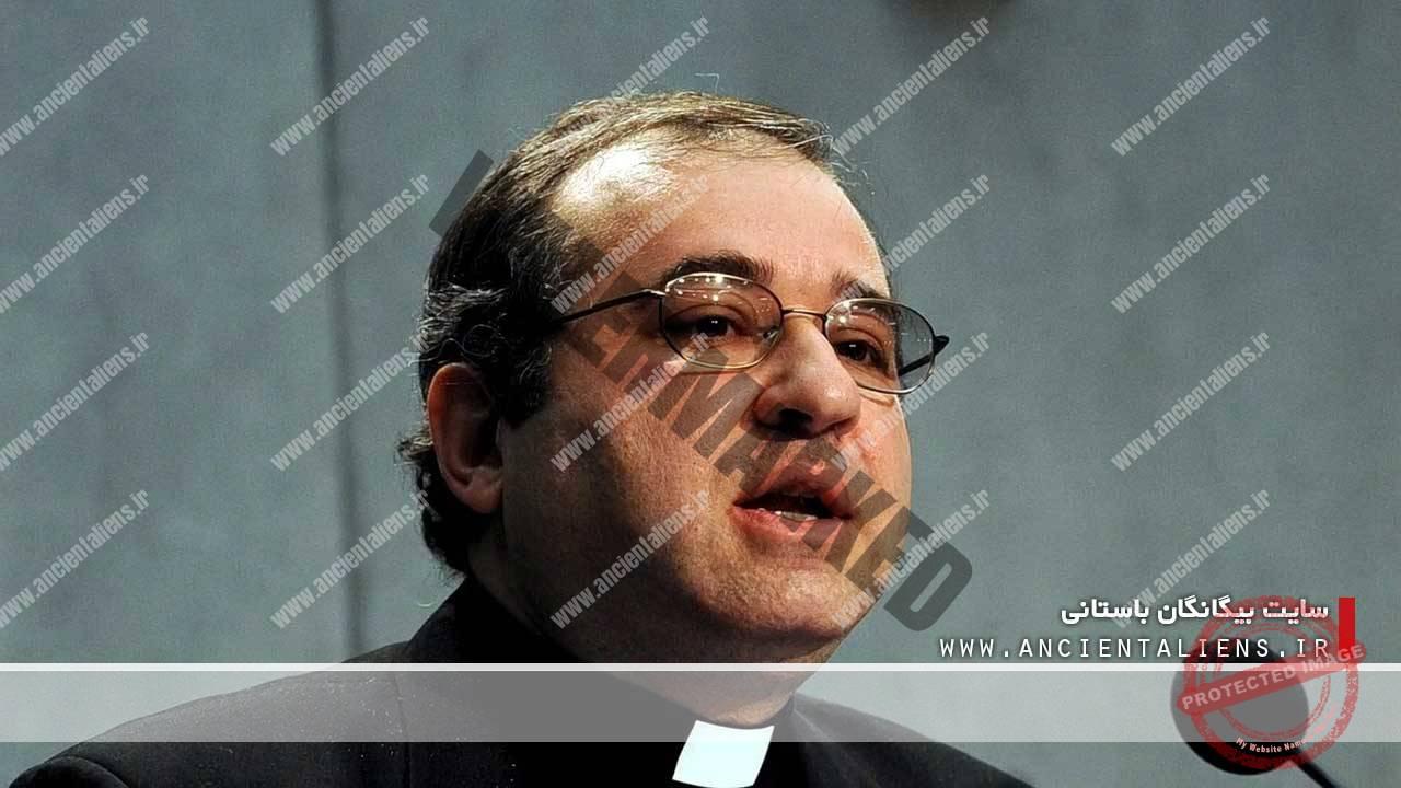 پدر گابریل فیونس، واتیکان